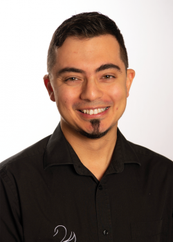 Ahmad Nounu - traditional and cosmetic dentist